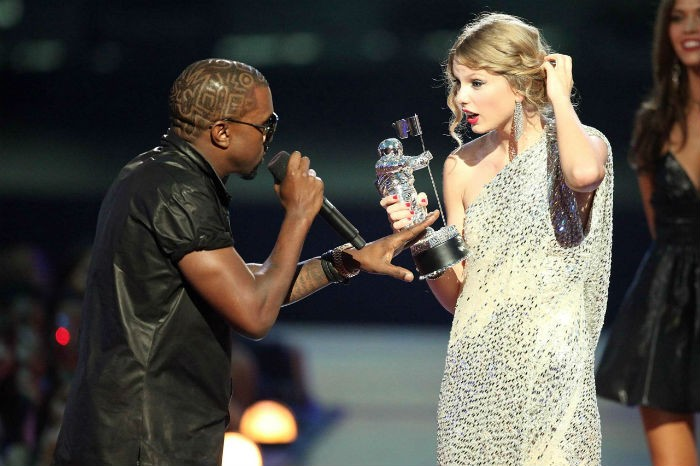 Kanye West & Taylor Swift - 2009 VMAS - Getty Images